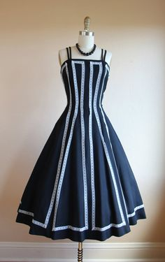 1950s Dress Vintage 50s Dress Black White Linen by jumblelaya
