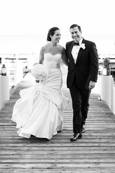 Photography: Jonathan Young Photography - jyweddings.com Event Design + Planning: Merrily Wed - merrilywed.com Floral Design: Art In Bloom - artinbloomfloral.com  Read More: http://www.stylemepretty.com/2013/05/13/lake-tahoe-wedding-from-merrily-wed/