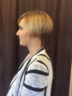 Short Wedge Hairstyles, Stacked Bob Hairstyles, Short Bob Haircuts, Undercut Hairstyles, Pixie Hairstyles, Nape Undercut, Medium Hair Styles, Short Hair Styles, Short Hair Dont Care