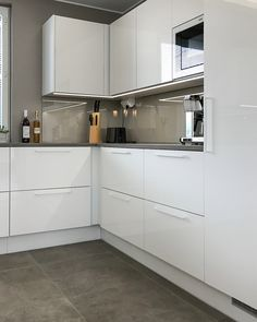 L-KEITTIÖ KUVIA 2 – Puustellin Keittiögalleria Ikea Kitchen, Kitchen Cabinets, Pink Sofa, Grey Kitchens, Home Decor Inspiration, Grey And White, Decoration, Sweet Home, House Design