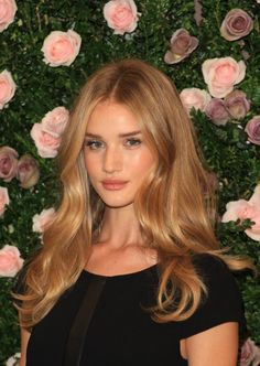I don't know how long I've been trying to get my hair this color...Is it even possible? Rosie Huntington - perfect blonde hair