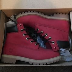 Red Timberland Boots Size 6 youth Timberland I'm normally a 7 youth but Timberland runs big so will fit a 8 or 8.5 women's New condition Timberland Shoes