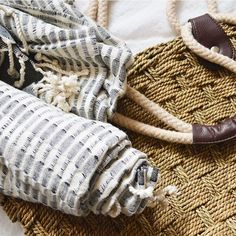 @kisaboutique Turkish towels make the perfect beach accessory because of its versatility! Use it as a wrap, blanket, towel + more 🌊 // coming soon to our M&P Pamper box! #local #curated #gift