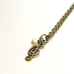 I Really Want This. This Is So Me!! #MusicIsMyLife |Clef Note Necklace With Pearl now featured on Fab.
