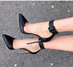 Hot High Heels, Sexy Heels, Womens High Heels, Stiletto Heels, Talons Sexy, Beautiful High Heels, Louboutin, Fashion Heels, Cute Shoes