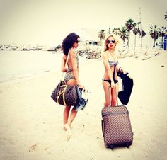 Been here w my friend in cali...just us and our suitcases..looking for a place to stay!