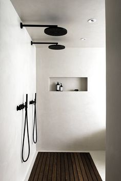 Adorable Wooden Bathroom Design Ideas For You - Decorating Ideas - Home Decor Ideas and Tips Wooden Bathroom, Small Bathroom, Master Bathroom, Bathroom Ideas, White Bathroom, Basement Bathroom, Shower Ideas, Bathroom Storage, Restroom Ideas