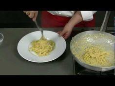 - Spaghetti cacio e pepe