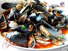 Cozze e vongole alla tarantina, ricetta classica di pesce