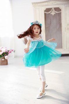 Have a good day everyone! Keep safe! 힘내요 ❤️... - Lauren Lunde (로렌)
