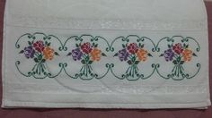 Cross Stitch Flowers, Cross Stitch Embroidery, Diy And Crafts, Home Decor, Crossstitch, Cross Stitch Borders, Embroidery Ideas, Bath Linens, Dish Towels