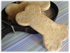 Recette Biscuits à la Carotte pour Chien Marley Dog, Dog Corner, Homemade Dog Treats, Cookies Policy, Border Collie, Gingerbread Cookies, Coco, Dog Food Recipes, Peanut Butter