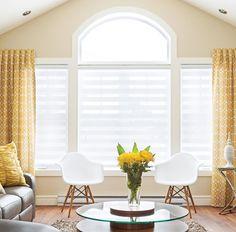 S'il est important de choisir le type de fenêtres qui répond le mieux à vos besoins, il est tout aussi essentiel de les habiller d'une belle manière pour une déco réussie au salon. Voici dix modèles d'habillages de fenêtres pratiques et tendance pour vous inspirer!