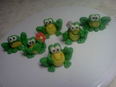 Fondant Frog Cake or Cupcake Toppers
