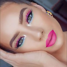 Pink lips and eye makeup idea for this summer - Makeup Looks Classic Flawless Makeup, Gorgeous Makeup, Glam Makeup, Pretty Makeup, Love Makeup, Eyeshadow Makeup, Eyeshadow Palette, Pretty Nails, Crazy Eyeshadow