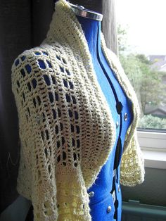 """Free pattern for """"Custard Shrug"""" by Maria Whetman...love the shape of this!"""