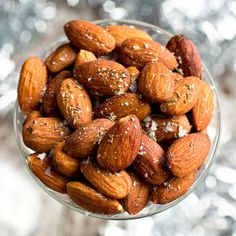 Spiced Roasted Almonds #Thanksgiving #Recipes