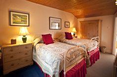 Twin bedroom, en-suite to the luxury family bathroom.