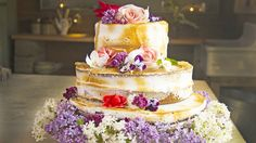 Bryllupskake i tre etasjer Tareq Taylor, Pastry Design, Pavlova, Yummy Cakes, Tartan, Lime, Food And Drink, Brides, Cupcake