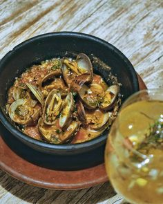 #Bali. A tasteful and appetizing Almejaz A La Marinera at @LaFincaBali. Fresh clams fisherman style with garlic parsley and white wine is something you should try tonight