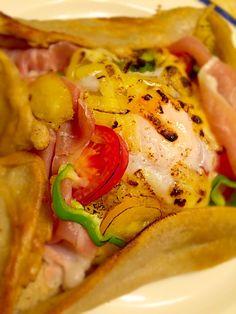 夏野菜と生ハムで 蕎麦粉のガレット