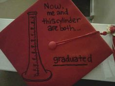 This is for the scientists | 14 Graduation Caps That Are Killin It!