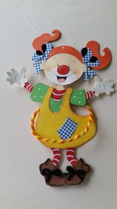 Fensterschmuck - Fensterbild Clown Mädchen - ein Designerstück von Esprit33 bei DaWanda Carnival Decorations, Carnival Themes, Circus Art, Circus Theme, Paper Crafts For Kids, Crafts To Make, Preschool Circus, Clown Images, Candy Tattoo