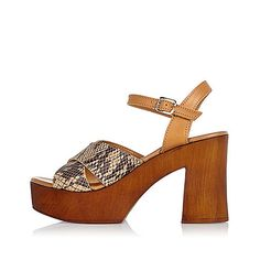 Snake print straps Open toe Ankle strap with pin buckle Wooden platform Chunky heel Heel height 9.5cm