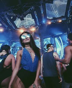 The best place for festival fashion inspriation and festival outfits. The one stop shop for raves and festival clothing ideas and links. Festival Looks, Festival Mode, Edm Festival, Festival Wear, Electro Festival Outfit, Rave Festival Outfits, Festival Fashion, Festival Clothing, Edm Outfits