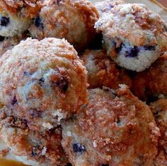 Ingredient: 1 1/2 cups all-purpose flour 3/4 cup white sugar 2 teaspoons baking powder one egg 1/3 cup oil of vegetable 1/3 cup fresh milk 1/2 cup white sugar 1 cup fresh blueberries 1/3 cup all-purpose flour 1 1/2 teaspoons ground cinnamon 1/4 cup butter, cubed Method