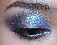 Snow Fairy: Winter Sparkle Tutorial with a Dimensional Base – [1st image above taken in flash, 2nd in daylight.] What sort of holiday season would it be without at least one snow-inspired look? For...