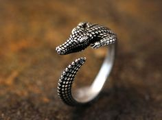 Adjustable Retro Crocodile or Alligator Ring by authfashion, based in Seoul, South Korea, and selling on Etsy