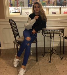 1.3m Followers, 246 Following, 766 Posts - See Instagram photos and videos from lizzy greene (@lizzy_greene)