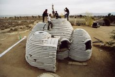 Materiaal: Earth bag construction house by Architect Nader Kh...