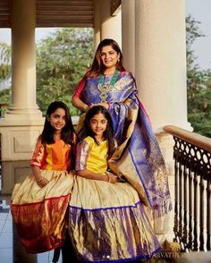 A Post with Cute and Chic Mom&Me Matching outfit collection. Also Grany, Mom and son matching ethnic wear , mom and daughter matching wear, we can say the whole family matching ethnic outfits Ideas. Kids Party Wear Dresses, Kids Dress Wear, Kids Gown, Kids Wear, Mother Daughter Dresses Matching, Mother Daughter Outfits, Mom Daughter, Daughters, Baby Girl Dress Patterns