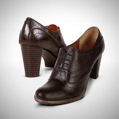 #Zapatos #casual #lookfashion #tacones #temporada #chic #chocolate #priceshoes #style #vivelamoda Adquiérelas aquí → http://tiendaenlinea.priceshoes.com/