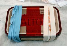 DIY Altoid Tin First Aid Kit by nny gamer, instructables #DIY #Altoid_Tin #nny_gamer #instructables