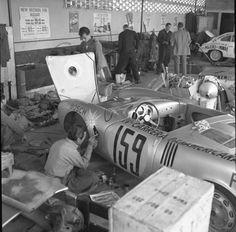 "sponsor ""Decaling"" before 1953 Carrera Panamericana . Porsche 550, Porsche Cars, Sports Car Racing, Road Racing, Auto Racing, Nascar, Classic Race Cars, Racing Events, Vintage Porsche"