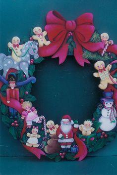Santa and Toys Wreath 17 Gingerbread Ornaments, Santa Ornaments, Pintura Country, Diy Christmas Crafts To Sell, Christmas Wreaths, Merry Christmas, Rosemary West, Bunny Lamp, Bouquet Box