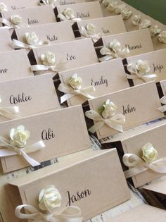 Love this idea! you could choose any colour you wanted to match your theme