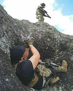 Tactical Tactical Training, Tactical Gear, Special Ops, Special Forces, Military Humor, Military History, Warrior Images, Army Police, Airsoft Guns