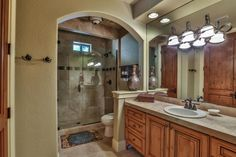 Traditional 3/4 Bathroom with Pennington Drop-In Bathroom Sink with Single Faucet Hole, Cascade Beige Travertine Tile