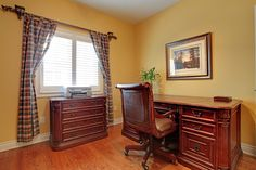 Complement your desk with a cheery paint colour. 1052 Valley Crest Circle, Oakville