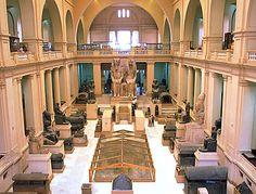 El Museo Egipcio de El Cairo o Museo de Antigüedades Egipcias, custodia la mayor colección de objetos de la época del Antiguo Egipto; posee más de 120.000 objetos clasificados de diferentes épocas de la historia egipcia.