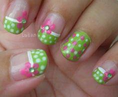 Polkadot flower fingernails! :-)