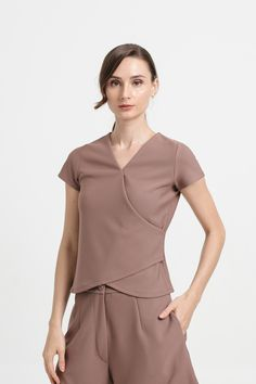 Shop effortless, minimalist & modern ready-to-wear here. We make quality & affordable fashion since We ship worldwide. Modern Minimalist, Affordable Fashion, Taupe, Ready To Wear, Spring Summer, Dresses For Work, Knitting, How To Wear, Clothes