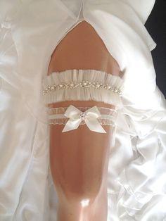 wedding garter set, tulle bridal garter set,  bow, pearl/rhinestone