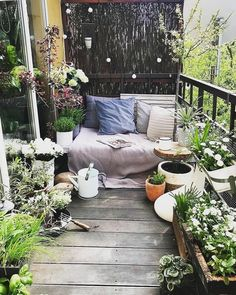 64 Fabulous Ideas for Spring Decor on Your Balcony 2019 - Balkon Ideen - Apartment Decor