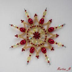 Prodané zboží od Martina_M Christmas Ornaments To Make, Snowflake Ornaments, Beaded Ornaments, Christmas Snowflakes, Christmas Jewelry, Beaded Snowflake, Beaded Crafts, Beading Projects, Bead Weaving