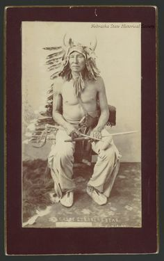 Chief Stinking Bear, Пайн Ридж. 7 Апреля 1898 года. Native American Men, American Art, American History, America 2, Into The West, Indian Pictures, Asian Cooking, Native Indian, Sioux